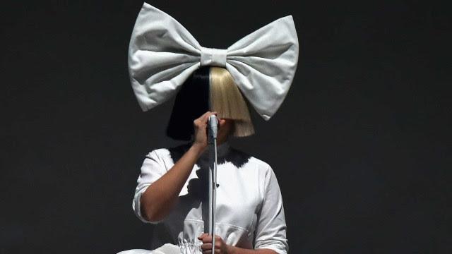 Sia revela que sofre de doença rara