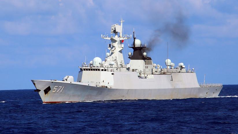 China manda buques y aviones contra la incursión de dos barcos de guerra de EE.UU.