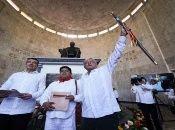 López Obrador pide eficacia y honestidad a quienes se encargan de la distribución de la energía.