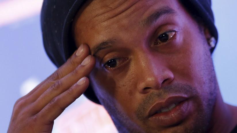 ¿En bancarrota?: Ronaldinho tiene en sus cuentas bancarias menos de siete dólares
