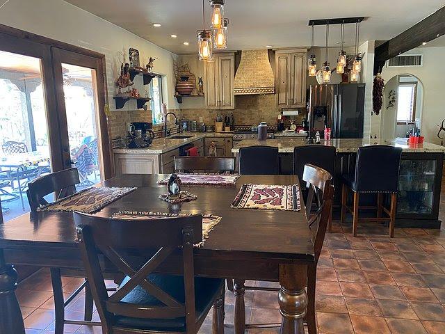 1202 W Amelia Ave Phoenix, AZ 85013 kitchen