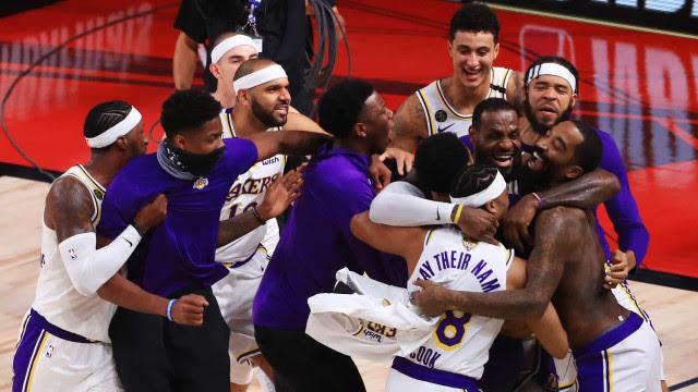 LeBron brilha, Lakers vencem fácil Heat e levam título dedicado a Kobe
