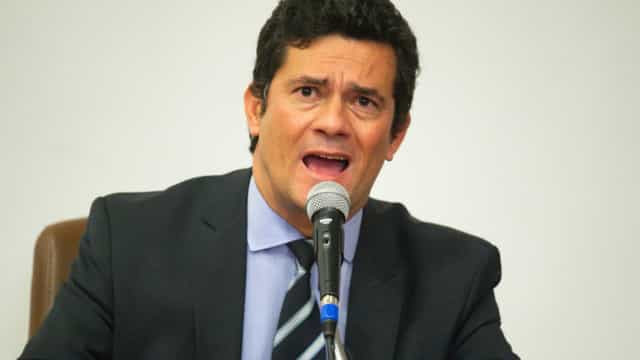 Sem toga, Moro emula métodos da Lava Jato no inquérito sobre Bolsonaro