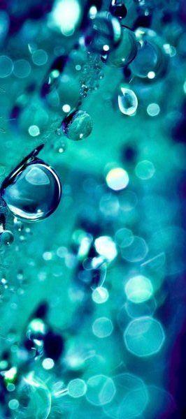 Agua, water, eau ... la belle bleu est idyllique en habits turquoise