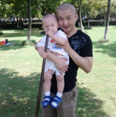 Viết gửi con 3 câu trước khi chết, tài tử ĐH Bắc Kinh khiến nhiều người đàn ông nghẹn ngào - Ảnh 2.