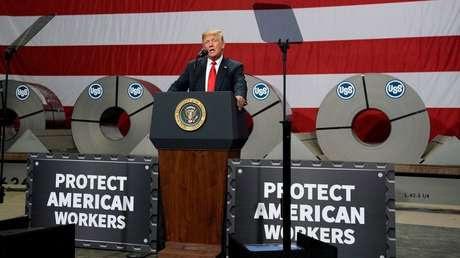 El presidente de EE.UU., Donald Trump, en una fábrica de acero de Illinois, 26 de julio de 2018.