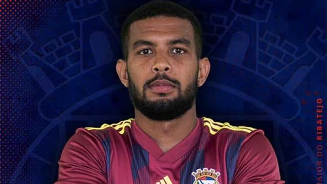 Jogador brasileiro sofre parada cardiorrespiratória durante partida em Portugal