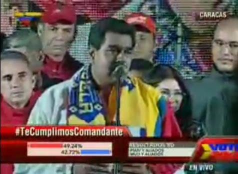 El presidente maduro se reunió con el pueblo en la Plaza Bolívar de caracas.