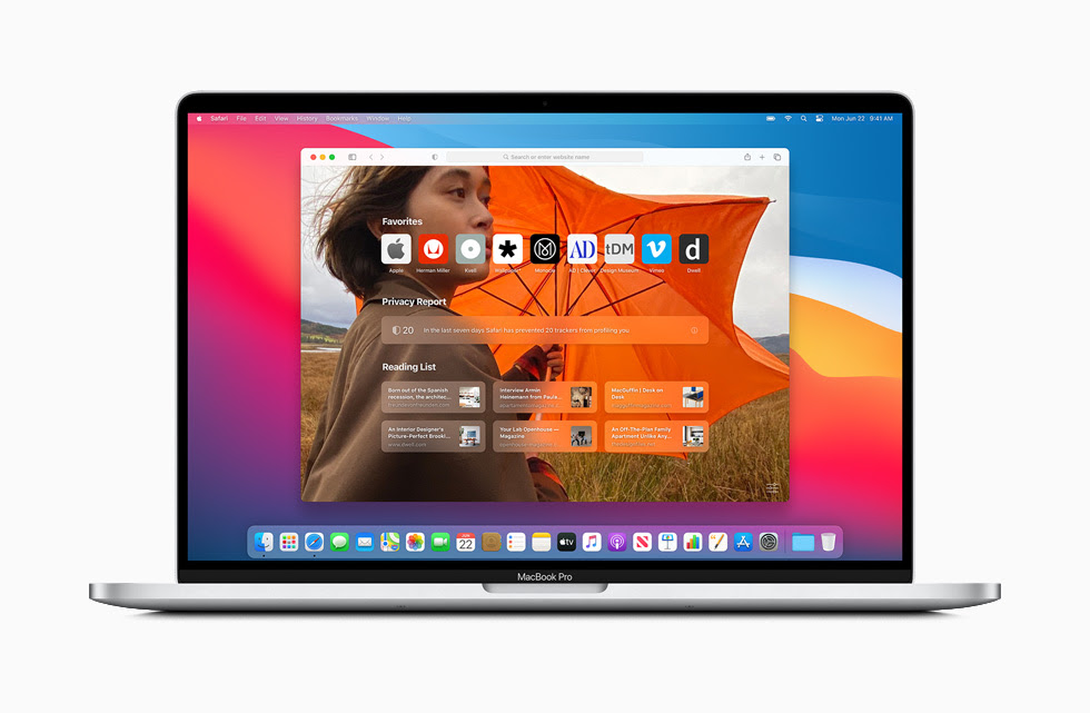 顯示在 MacBook Pro 上 macOS Big Sur 中經過重新設計的 Safari 首頁。