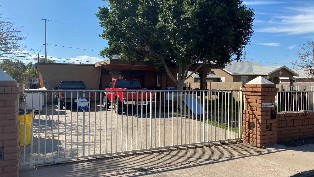 2745 W Polk St Phoenix, AZ 85009 north of Van Buren Street wholesale property