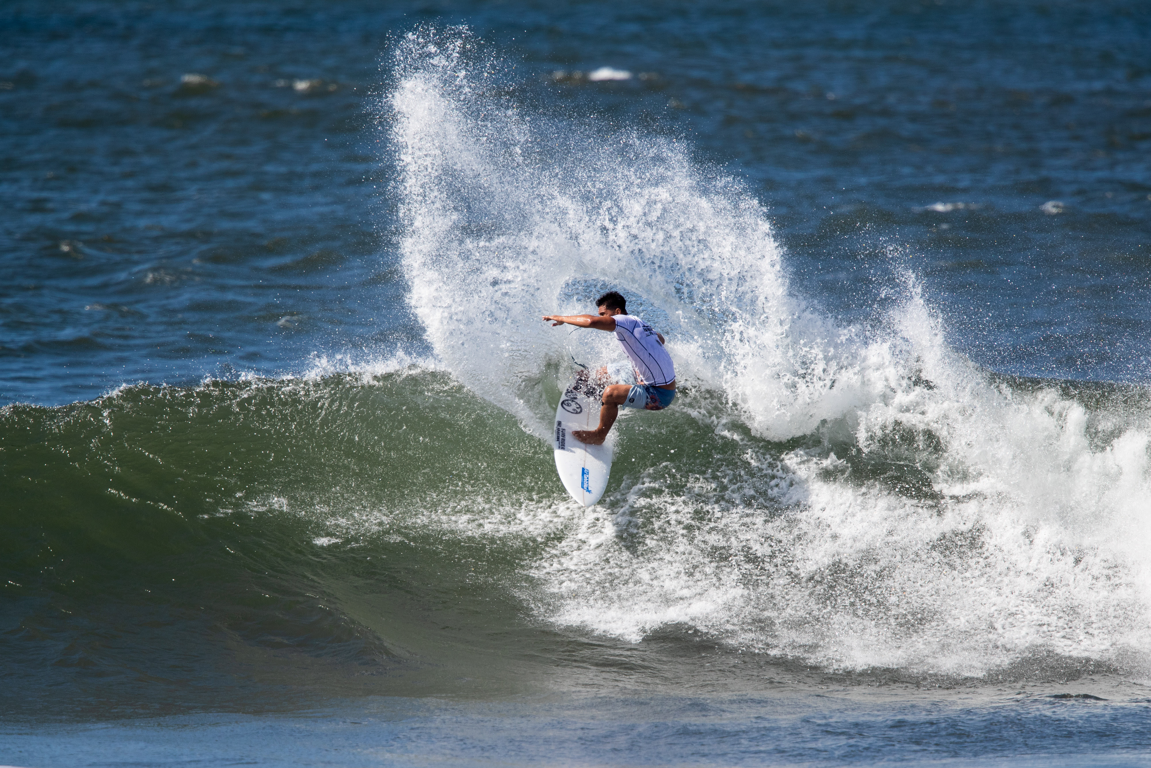 e7b3a13e99 2018 VANS TRIPLE CROWN OF SURFING LAUNCHES AT HAWAIIAN PRO…
