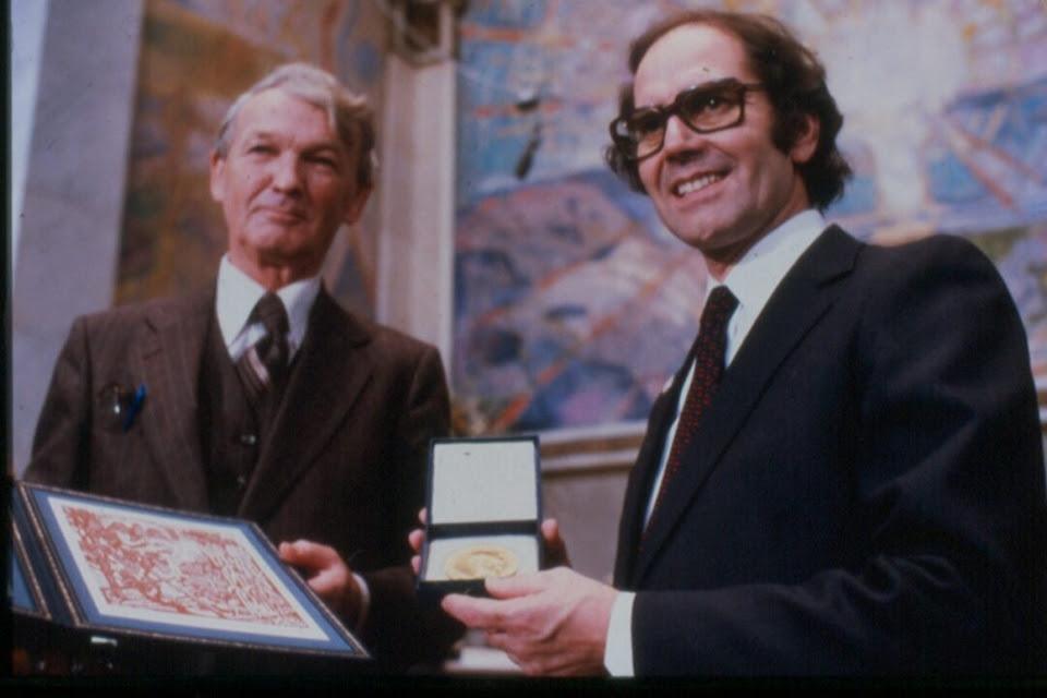 Adolfo Pérez Esquivel recibió el premio Nobel de la Paz en 1980.