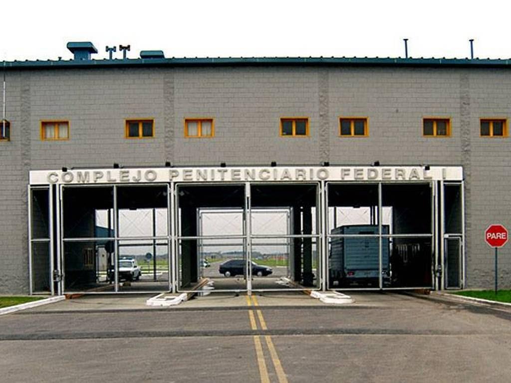 http://www.eldiariodebuenosaires.com/files/2013/08/Un-preso-que-denunci%C3%B3-reitereados-abusos-y-torturas-se-suicido.jpg