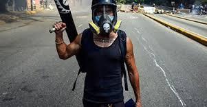 Con mortero atacaron casa del artista plástico, Antonio Fernández
