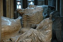 Edward II - detail of tomb.jpg