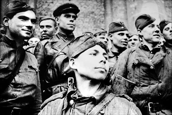 Фальсификация истории войны: почему повесился герой, первым                                                            установивший                                                            флаг над                                                            Рейхстагом?                                                            01