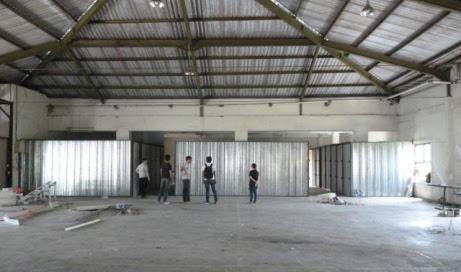Foto tampak depan gudang Ancol - Gudang BANG!