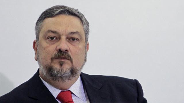 'O lugar de Palocci é na cadeia', reage advogado da Camargo Corrêa