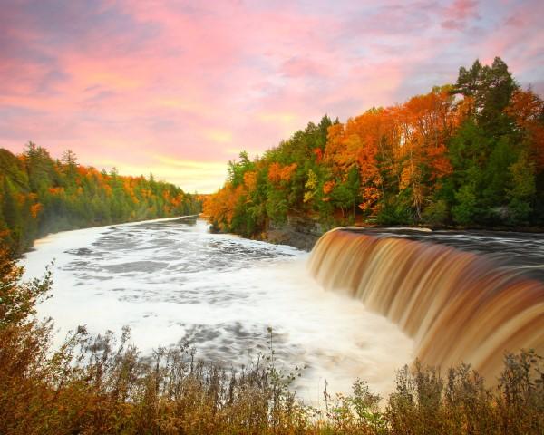 tahquamenon falls in fall png