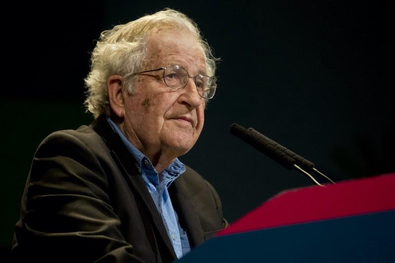 <p>Noam Chomsky, durante una conferencia en Buenos Aires, el 12 de marzo de 2015.</p>
