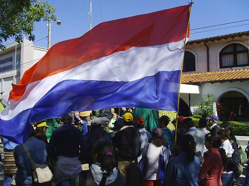 Resultado de imagen para bandera paraguaya  corrupcion