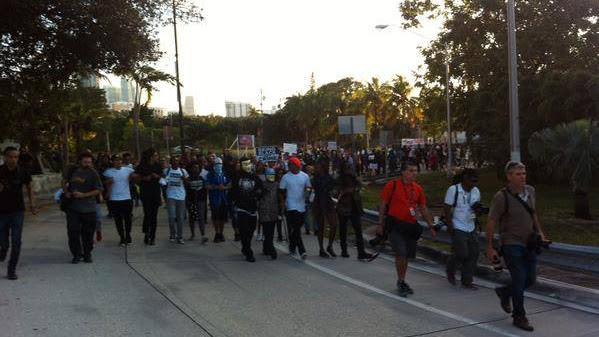 policeprotest1.jpg