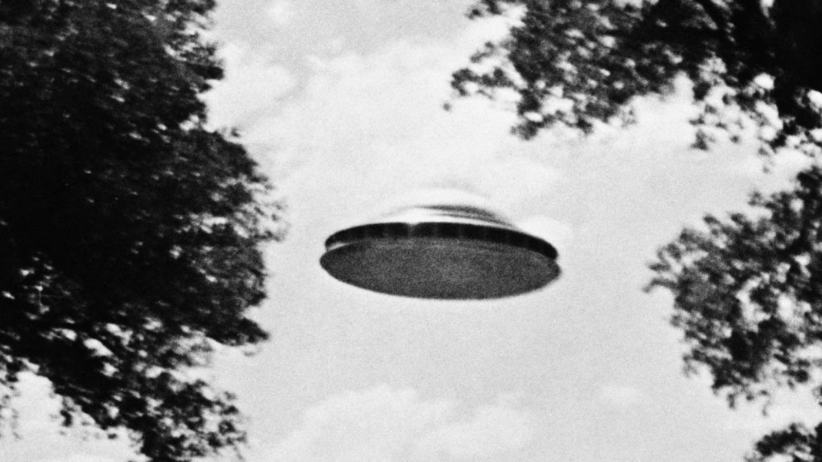 DNI report says investigators are unable to explain nearly every UFO spotted by military officials  GettyImages-517392246