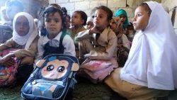 Millones de niñas no tienen acceso a una educación digna.