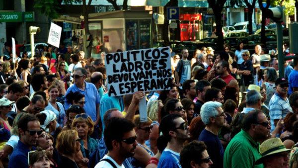 Παράθυρο για αγωγές αποζημίωσης εναντίον της μνημονιακής λιτότητας ανοίγει απόφαση του Ευρωπαϊκού Δικαστηρίου