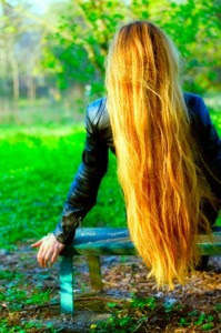 """El cabellos absorbe las radiaciones nocivas del sol e1344456055947 199x300 Los cabellos, """"antenas"""" captadoras de energía cósmica"""