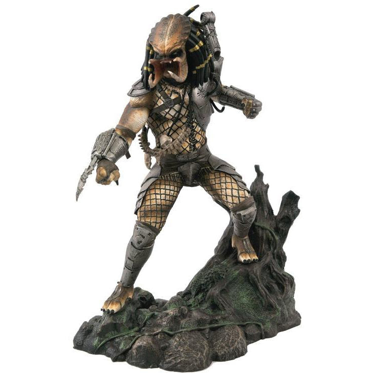 Image of Predator Gallery Unmasked Statue - San Diego Comic-Con 2020 Previews Exclusive - AUGUST 2020