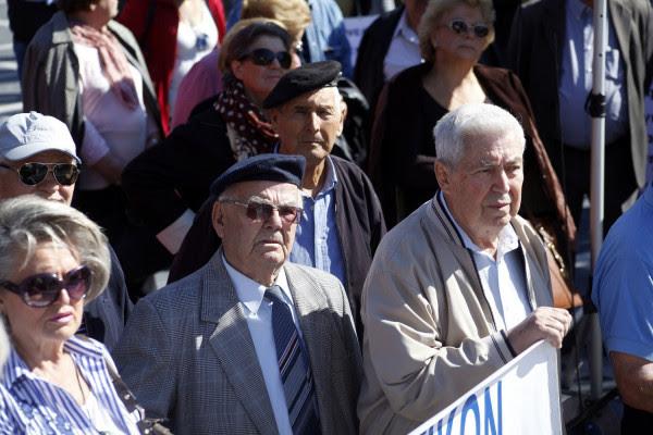 Αναδρομικά συνταξιούχων: Απόφαση - σταθμός ανοίγει τον δρόμο για την επιστροφή χρημάτων