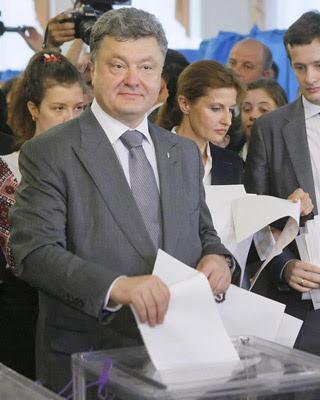 Poroshenko durante su votación