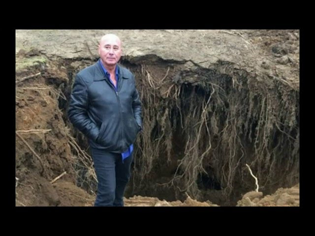 Giant Sinkhole Opens Up Threatens to Swallow New Jersey Home  Sddefault