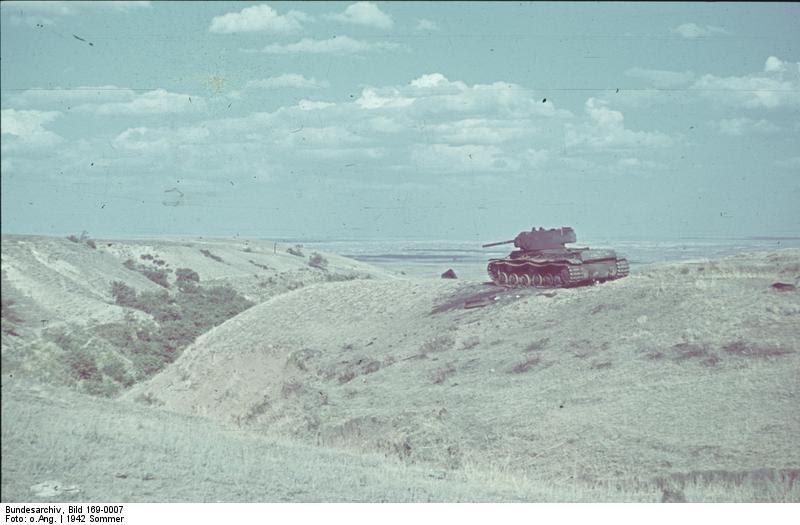 File:Bundesarchiv Bild 169-0007, Sowjetischer Panzer KW 1.jpg