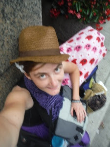 Rocking a fedora in Chicago. This hat was great at not losing its shape despite being crushed among the rest of my belongings.