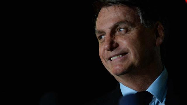 Oposição cita 'rachadinha' em gabinete de Bolsonaro na Câmara
