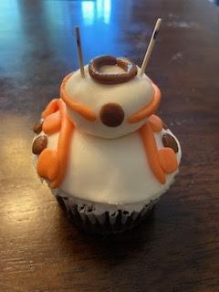 BB8 cupcake BC