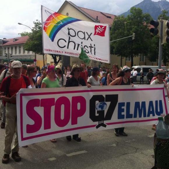 Unos 2.000 manifestantes, según los organizadores de Stop G7 Elmau, se concentran de forma pacífica. Foto tomada de Twitter