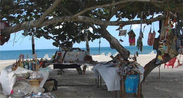 News generales croisiere et mer.. peut etre en traduc auto  - Page 20 Crafts-on-Beach