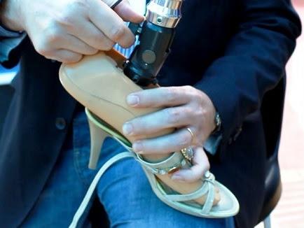 Peça criada na Universidade de Sorocaba permite que mulheres com deficiência utilizem sapatos de salto alto
